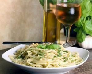 Spaghete Carbonara si un pahar de vin la Restaurant Dante