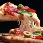 Pizzeria Nuova Mama Mia va invita la o pizza delicioasa